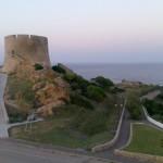 Am nördlichsten Zipfel der Stadt und der Insel Sardinien sollten Sie vor diesem Bauwerk stehen, sonst sind Sie am falschem Ende.