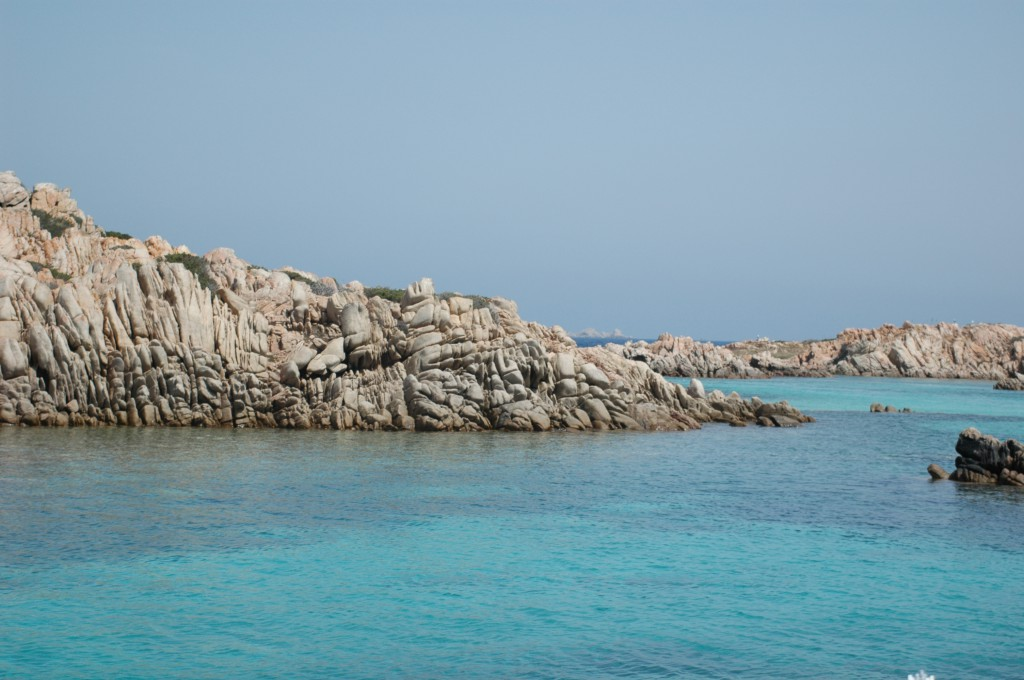 Kristallklares Wasser in der Bucht von Bonifacio.